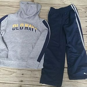 Perfect condition Old Navy s (6-7) stretch hoodie.